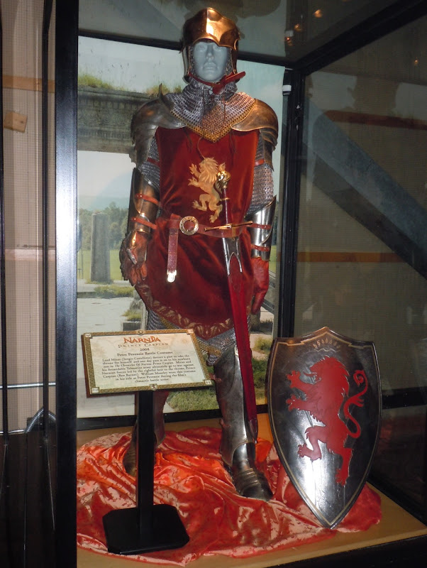 Narnia's Peter Pevensie battle costume