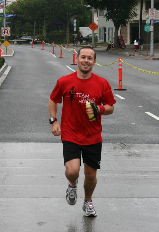 Jason runs for Team To End AIDS