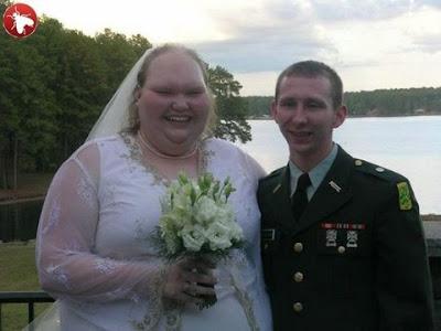 http://1.bp.blogspot.com/_GJqfh-kN_n0/Sg7cu3uF48I/AAAAAAAAAP0/eFrSGA92M-E/s400/Most+funny+wedding.jpeg