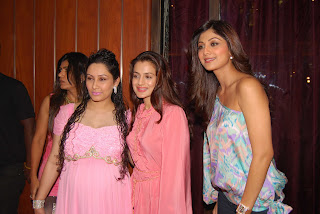 Maanyata Ameesha Shilpa (L to R)