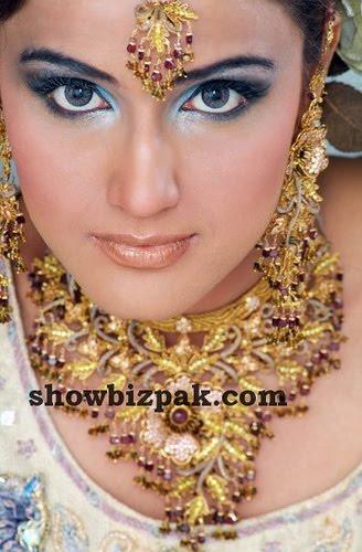 [indian-bridal-makeup-7.jpg]