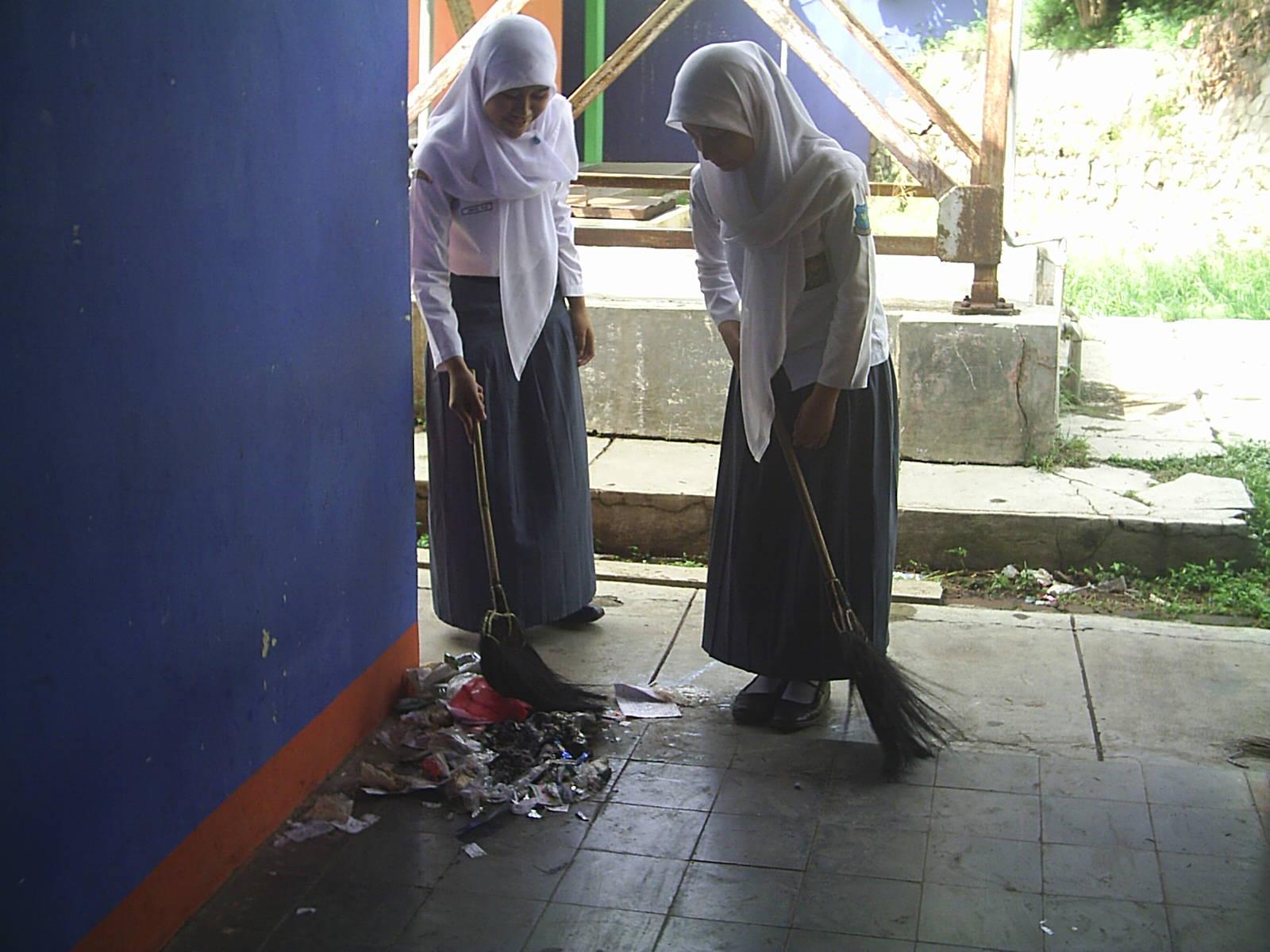 gambar menjaga kebersihan