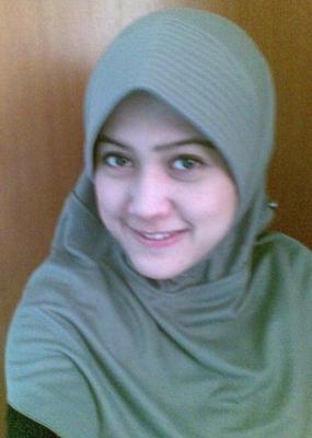 Gadis Berjilbab Nakal