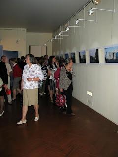 Primeros visitantes de exposición Reliquias del sitio de Leningrado