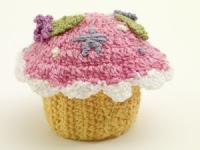 Free cupcake amigurumi crochet pattern