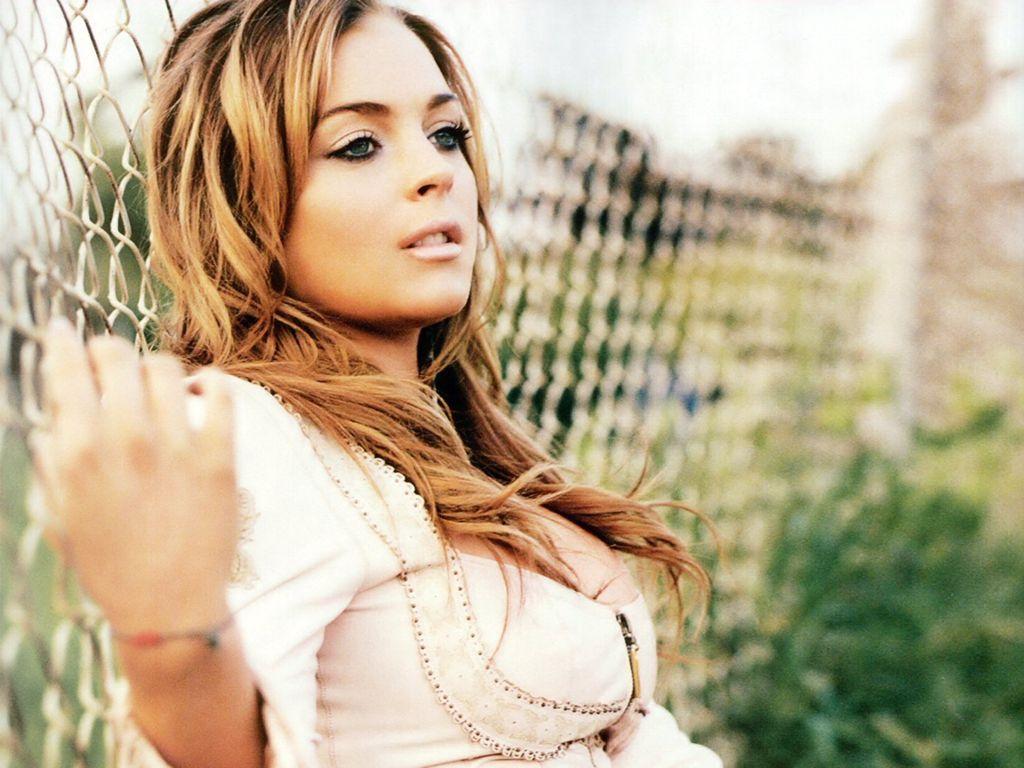 http://1.bp.blogspot.com/_GV9KiOUzsBM/TQg4P7nSmJI/AAAAAAAABDI/U1gCRV-xWtA/s1600/Lindsay-Lohan-104.JPG