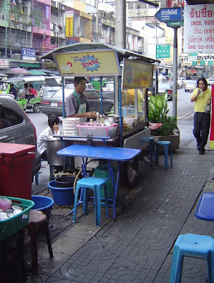 Saphan Kwai aera eating paradise