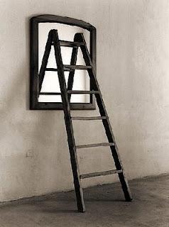 Esto matar a aquello de escaleras espejos y sueos cumplidos buscas no te preocupes siempre hay ms escaleras siempre habr escalones mientras te empees en subir fandeluxe Images