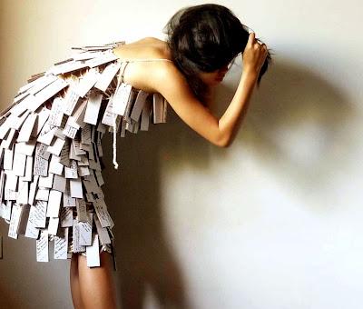 Roupa diferente: Vestido curto criativo