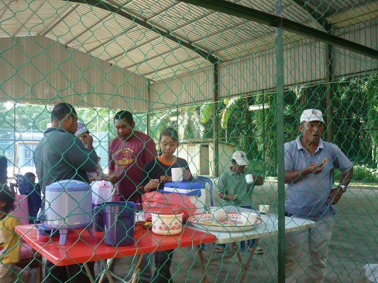 Gambar aktiviti ahli pustakawan desa Pt Senah.