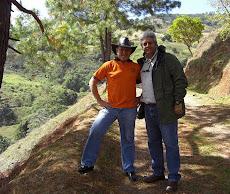 Profesores Alí Meza y Juan Miguel Avalos en San Casimiro de Guiripa