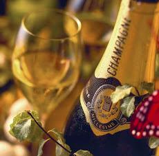 Feliz Año Nuevo para todos los amigos e integrantes de la familia UNE que se realicen sus deseos