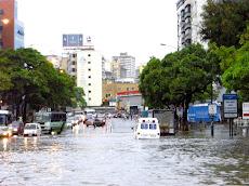 Centro Comercial Milleniun Mall y SAMBIL afectados por las intensas lluvias
