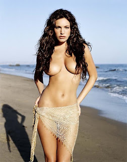 Piranha 3-D sexy Kelly Brook topless