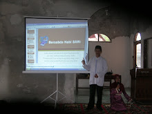 "KEPALA SEKOLAH MENGISI MATERI ""AQIDAH"" TANGGAL 25 AGUSTUS 2009"