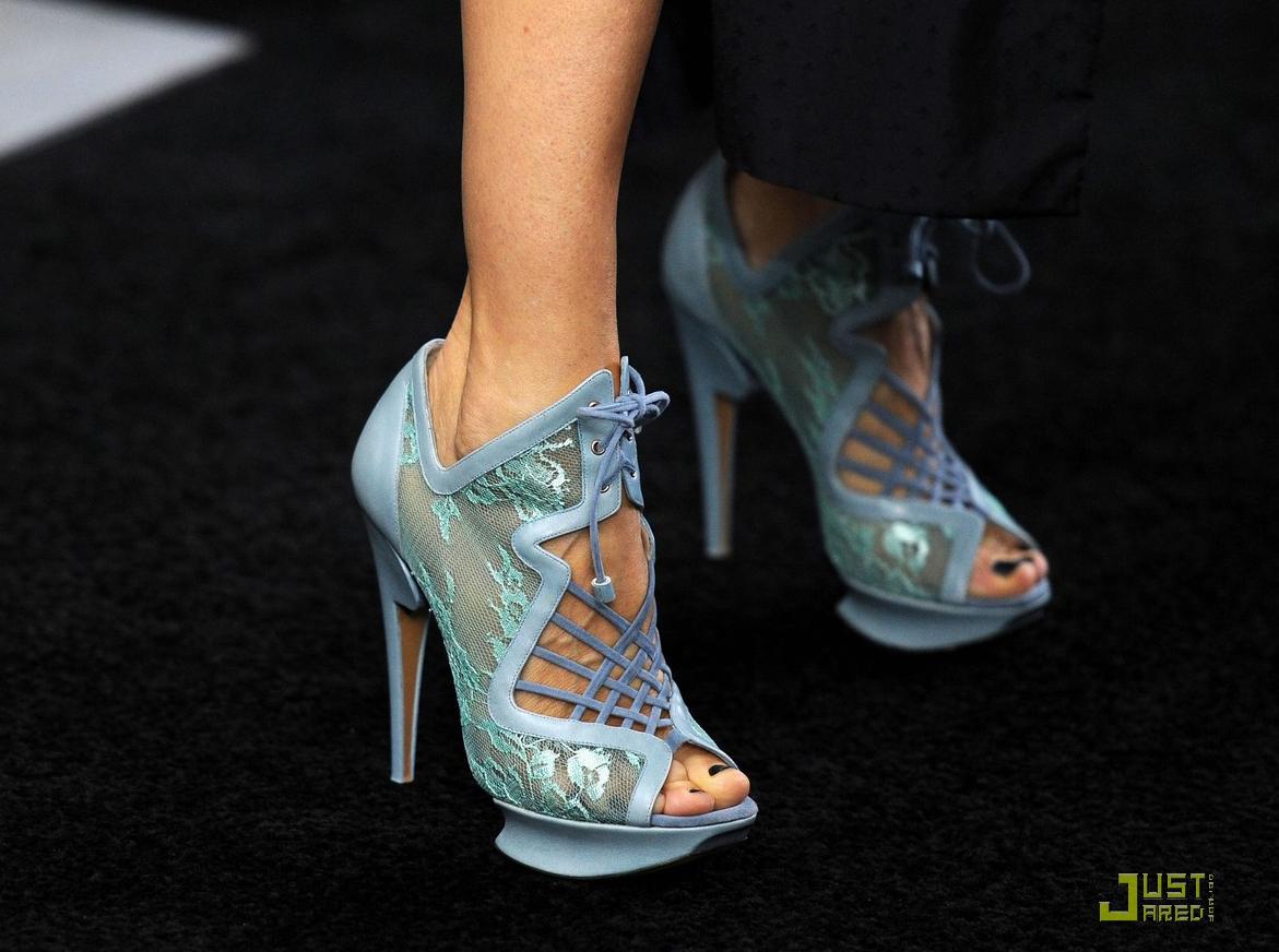 http://1.bp.blogspot.com/_GbvUU9jxkH8/TObJtITOP_I/AAAAAAAATDQ/LO5z5O1XX4A/s1600/sarah-jessica-parker-beauty-in-black-05.jpg