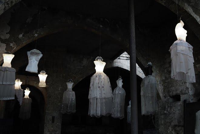 Algo así como un Outlet en Tel Aviv dentro de una Iglesia con murciélagos