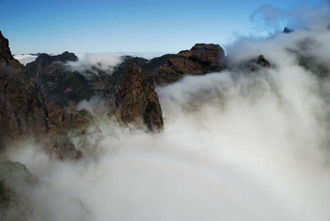 En el Pico de Areeiro: 1818m