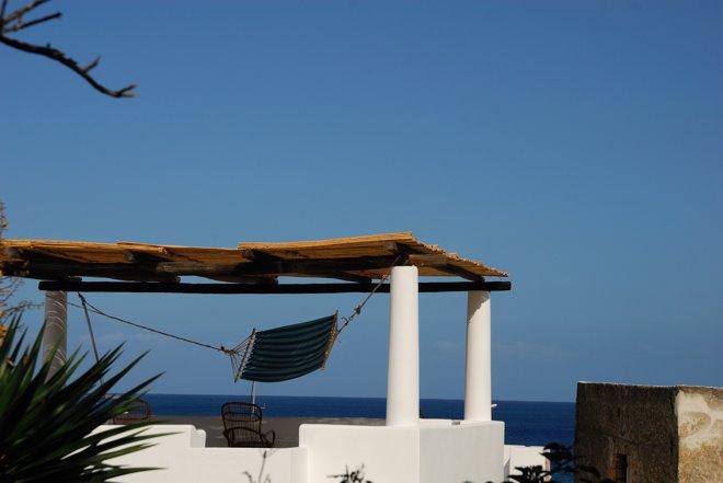 Eolias viene de Eolo, el dios griego de los vientos. Quien aquí dormía lo sabe!