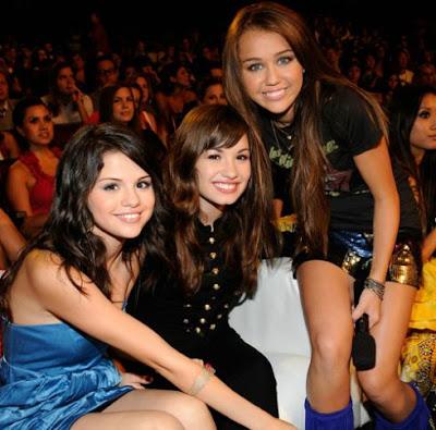 Selena Gomez Resimleri - Selena Gomez Foto�raflar�