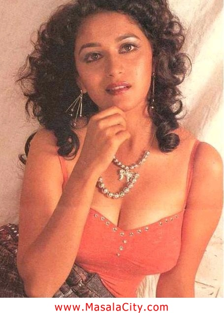the glamour world madhuri dixit showing her boobs and ass