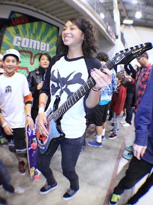 Girls Combi Pool Classic contest at Vans. Lizzie Armanto