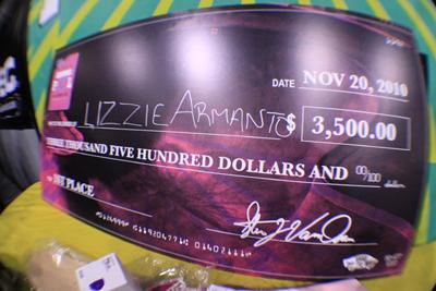 Girls Combi Pool Classic contest at Vans. Lizzie Armanto