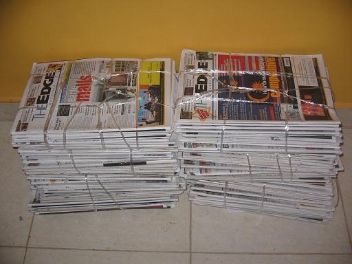 http://1.bp.blogspot.com/_Gfrqer9-4gQ/Swo-sgl69qI/AAAAAAAAAdI/rzrIaF4u57o/s1600/newspaper.jpg