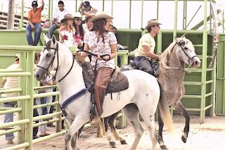 'La Dama de Troya' en una de sus mejores escenas con Cristina Umaña y Andrés Juan