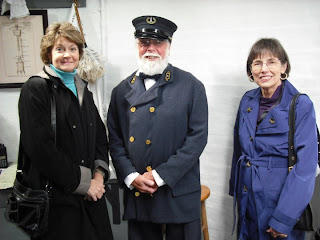 Yaquina Lighthouse keeper with two Daughters of the American Revolution members