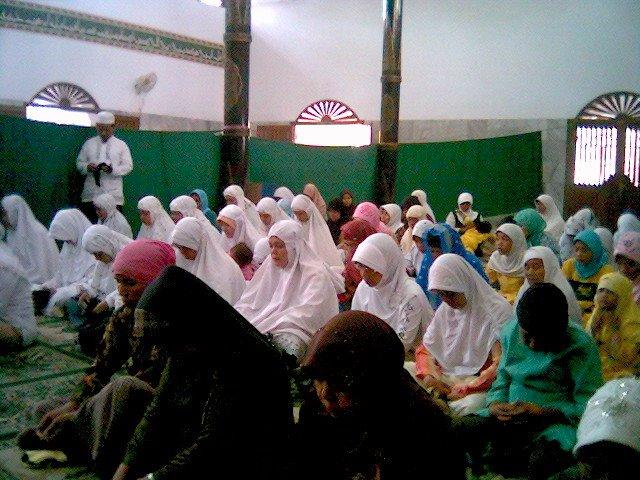 Peserta Acara Seminar dan Ruqyah Massal