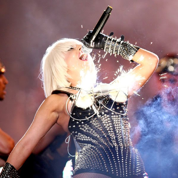 MuchMusic Video Awards 2012 [17/06/12] >> 1 nominación Lady_gaga_much_music_fire_fuego