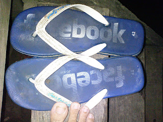 facebook slippers,cloths,shoes,gloves