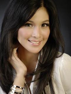Sandra Dewi - 10 Wanita Cantik Asia Tenggara - www.iniunik.web.id