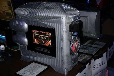 ... liat sendiri Foto-Foto Battlestar Galactica Computer masa depan ini