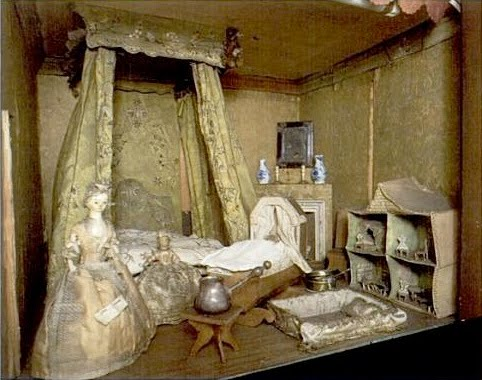 Rebecca S Collections The Oldest Dolls House For A Dolls House