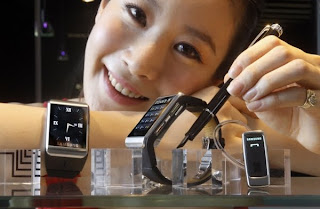 Samsung Ultra-slim Watch phone