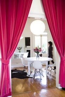 Decoraci n de rincones ideas del uso de cortinas para for Cortinas para separar ambientes