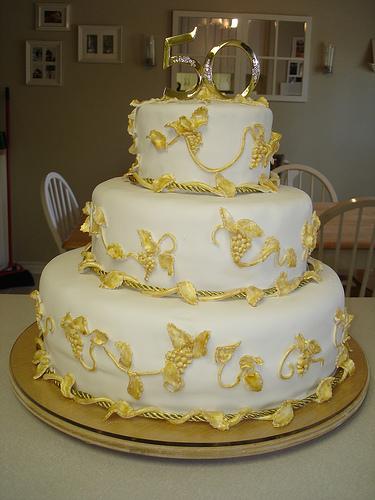 Ideas para decorar tortas de BODAS DE ORO!!!