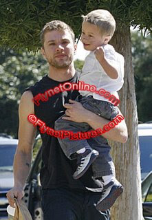 Phillippedeacon Ryan Phillippe Spends Time with Kiddies