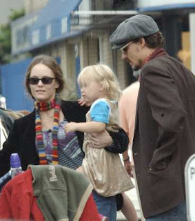 lilyrosedepp Depps Daughter Mystery Illness   E.Coli!