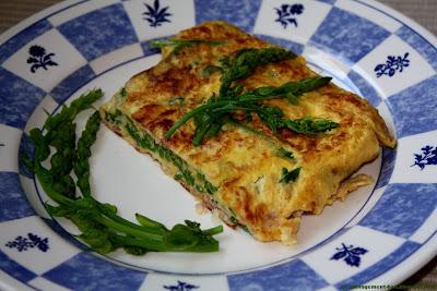 Pousses de tamier en omelette