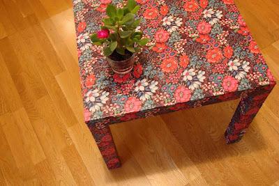 tunear muebles, muebles ikea tuneados, mesa forrada