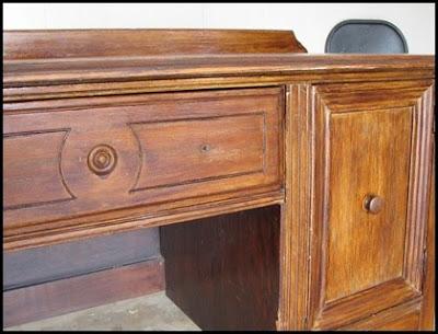 Antes y después de una mesa de despacho, restauración, decapé