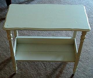 Antes y después de una mesa auxiliar, restauración, pintar, restaurar
