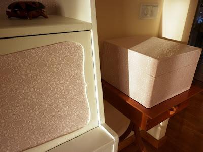 Antes y después de una caja de vino, reciclado, reciclaje