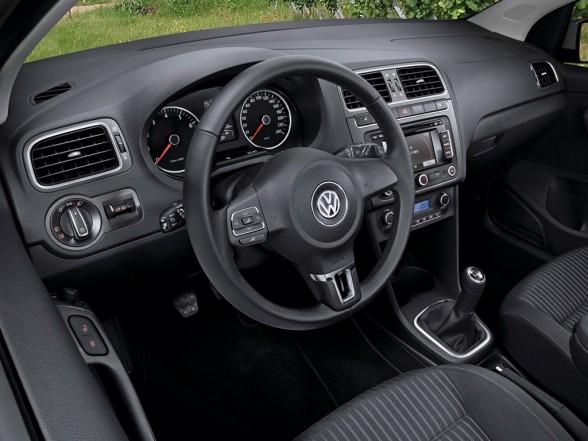 Volkswagen Polo 3-Door 2010 Interior Design