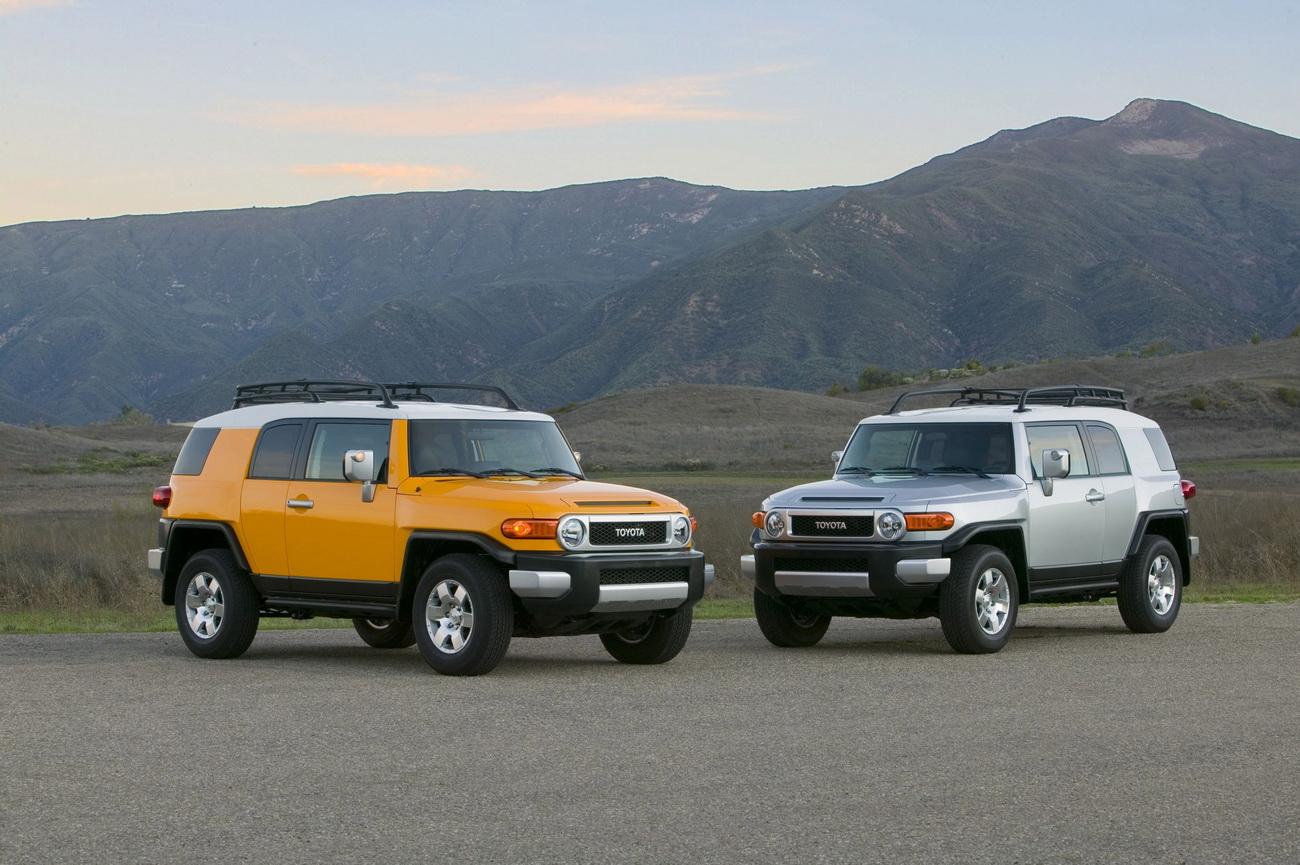 http://1.bp.blogspot.com/_GxdvsI4P_Tg/TEOYNQ9us6I/AAAAAAAACNg/Iouwsnftu-s/s1600/2010+Toyota+FJ+Cruiser+4.0-liter+V6+with+258HP+wallpaper1.jpg