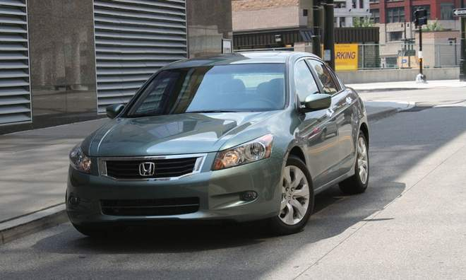 2010 Honda Accord Hybrid photo - 3