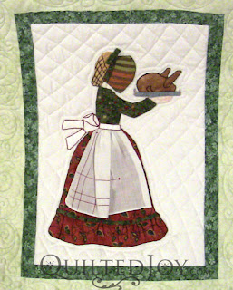 November block in a Hankie Lady Obsession Quilt with custom quilting by Angela Huffman - QuiltedJoy.com